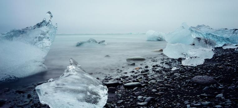 """""""Wo früher Eis war, sind heute Steine und Wasser."""""""