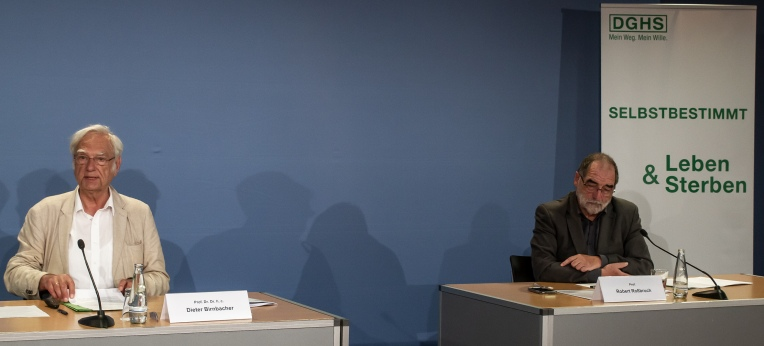 Prof. Dieter Birnbacher und Prof. Robert Roßbruch