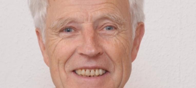 Mahnt den Erhalt der Religionsfreiheit an anlässlich des 10-jährigen Bestehens der Stiftung Unitates: 1. Vorsitzender Eike Möller.