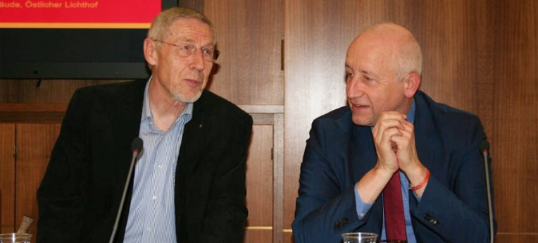 Erwin Kress, Vorstandssprecher des HVD Bund (links) und Dr. Wieland Schinnenburg, MdB / FDP