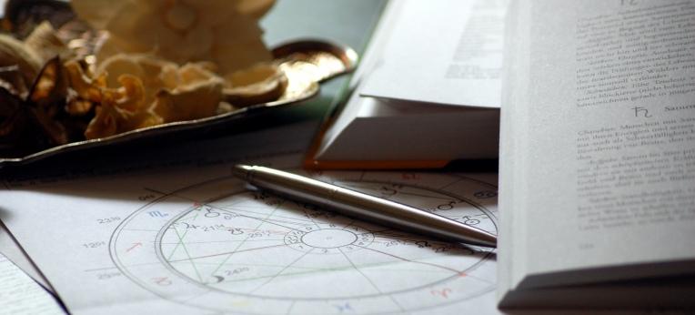 Sternzeichen, Horoskope, Homoöpathie