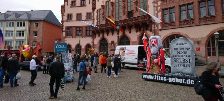 """Die Aktionsgruppe """"11. Gebot"""" in Frankfurt"""
