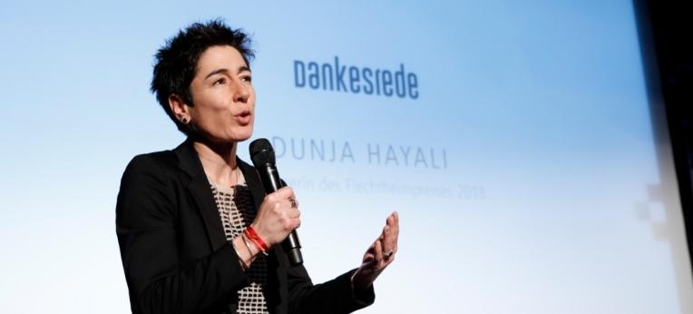 Die Journalistin und Fernsehmoderatorin Dunja Hayali bei der Verleihung des Flechtheimpreises für Demokratie und Menschenrechte 2018.