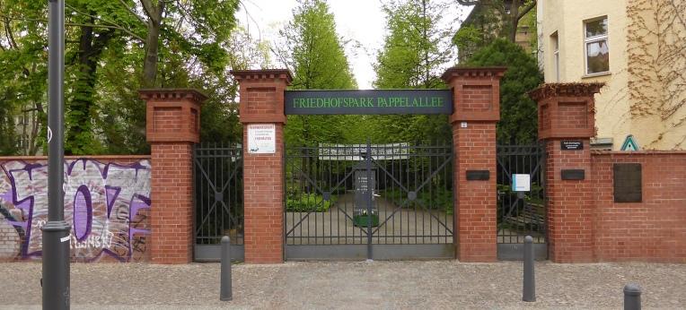 Eingang zum Friedhof Pappelallee (Berlin)