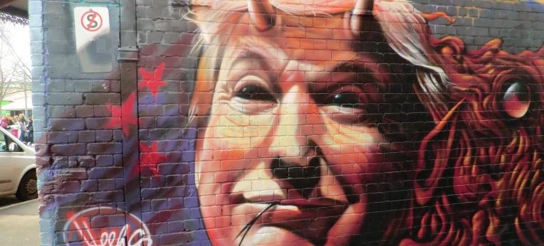 Donald Trump mit Teufelshörnern und gespaltener Zunge