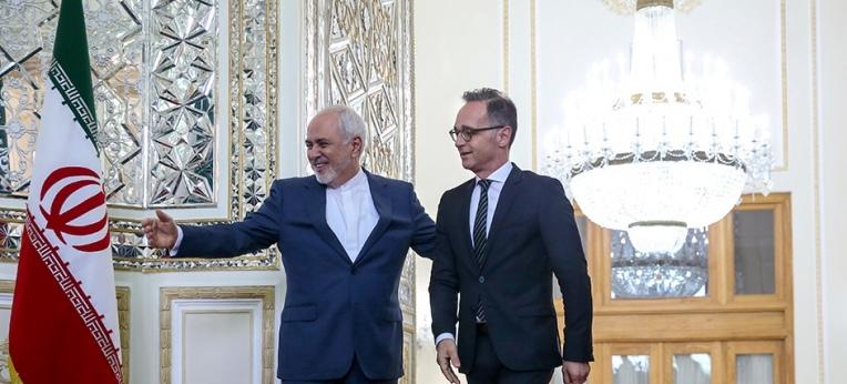 Der deutsche Außenminister Heiko Maas besucht Irans Außenminister Mohammad Javad Zarif.
