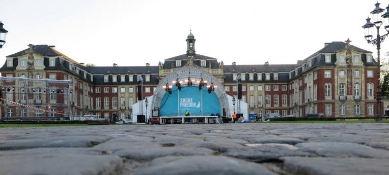 Die große Bühne vor dem Schloss in Münster