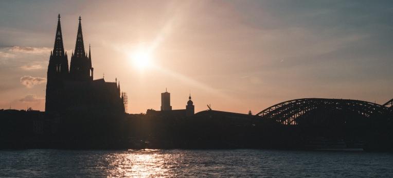 Kölner Skyline mit Dom und Hohenzollernbrücke