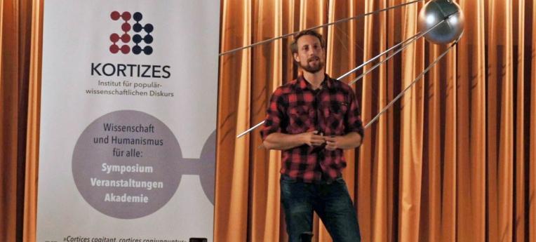 Martin Moder bei einem Kortizes-Vortrag