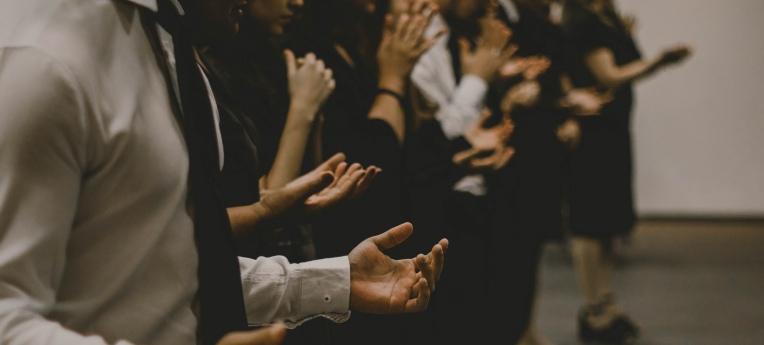 Gebet in einer freikirchlichen Gemeinde
