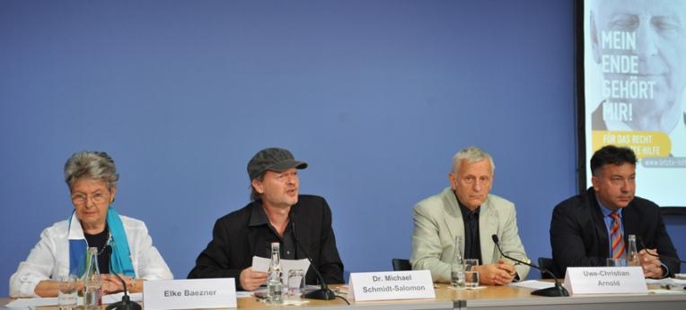 Pressekonferenz; Elke Baezner, Dr. Michael Schmidt-Salomon, Uwe-Christian Arnold, Prof. Dr. Dr. Eric Hilgendorf