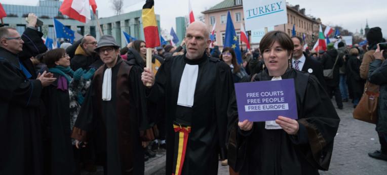 """""""Marsch der tausend Roben"""" am 11. Januar 2020 in Warschau."""