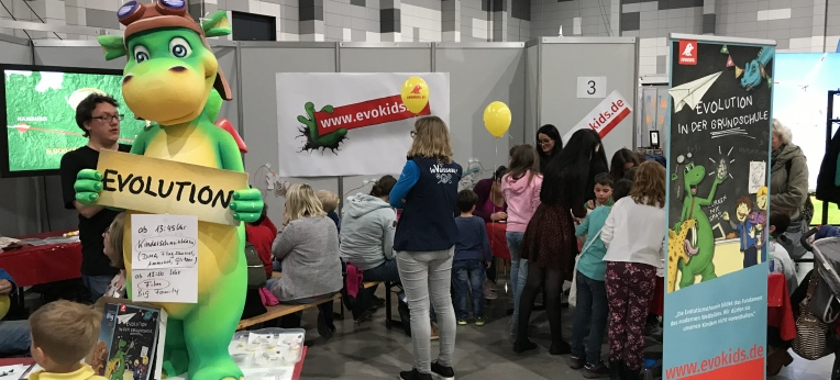 """Urmel – Das Maskottchen der Evokids-Initiative auf der """"Science Days""""-Messe"""