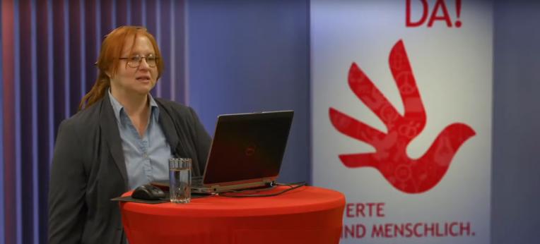 Screenshot des Online-Vortrags von Sigrid Herrmann-Marschall