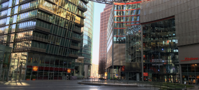 Auch das Sony-Center in Berlin ist menschenleer.