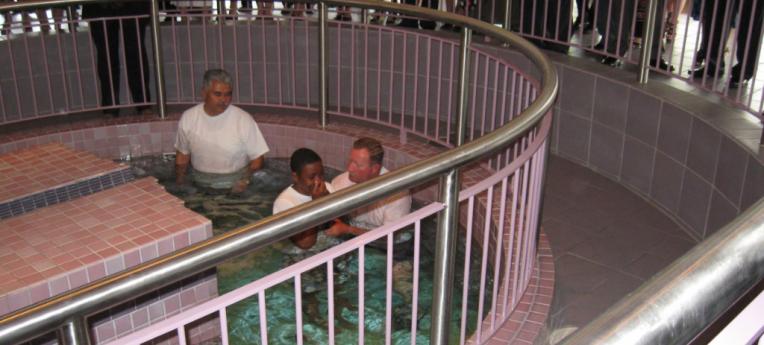 Taufe bei den Zeugen Jehovas