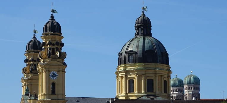 Die Theatinerkirche in München