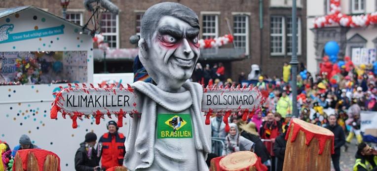 Mottowagen beim Düsseldorfer Karneval 2020