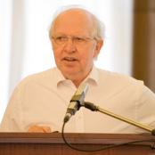 Dr. Carsten Frerk stellt die Ergebnisse der neuen Studie vor
