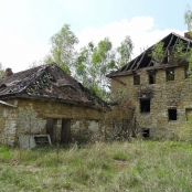 Verfallenes Kinderheim im Zeitzer Forst