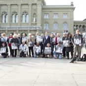 Betroffene auf dem Bundesplatz
