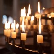 Kerzen in der Kirche