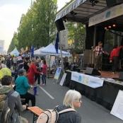 Tanz auf und vor der großen Bühne der Humanisten auf dem Corso Leopold 2018