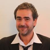 Deniz Yücel bei der Verleihung des Kurt Tucholsky-Preises im Oktober 2011