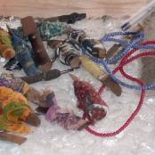 Messer, die für die Genitalverstümmelung genutzt wurden.