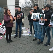 """Mina Ahadi bei der Kundgebung des """"Internationalen Komitees gegenSteinigung"""""""