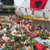 Blumen für die Opfer des Münchener Attentats
