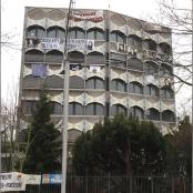Besetzte iranische Botschaft mit Bildern politischer Gefangener