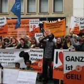 """Kundgebung am """"Weltweiten Tag der genitalen Selbstbestimmung"""" 2017 in Köln"""