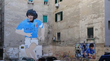 Graffiti zu Maradonas Ehren in Neapel (2019)
