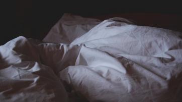 """In manchen Kulturen wird das Laken nach der """"ersten Nacht"""" auf Bluttropfen untersucht"""