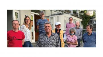 """Der Vorstand des bfg München vor dem """"EineWeltHaus"""""""