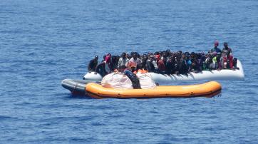 Flüchtlingsboot auf dem Mittelmeer