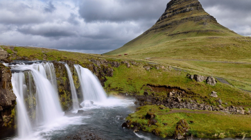 Nicht alles in Island ist so wildromantisch wie der Grundarfjörður-Kirkjufell-Berg.