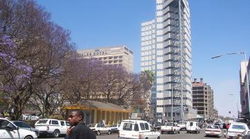 Moderne Bürohochhäuser in Harare, der Hauptstadt Simbabwes