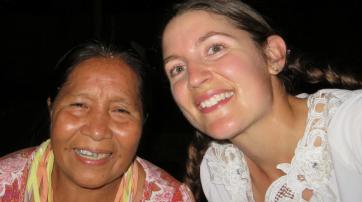 Francisca Oye (links) und Anne Pisor während des Karnevals 2015.
