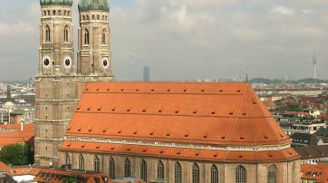"""Diese Kirche in München heißt zwar """"Frauenkirche"""" - das war es aber auch mit der Gleichberechtigung."""