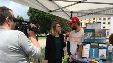 Hazel Brugger (ZDF heute-Show) interviewt Maximilian Steinhaus