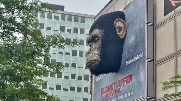 Werbung für den aktuellen Film am Berliner Alexanderplatz