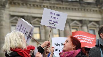 Italien ist weiter als Deutschland in Sachen Schwangerschaftsabbruch. Das soll jetzt geändert werden.