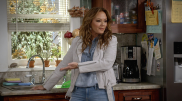 "Leah Remini in ""Kevin Can Wait"""