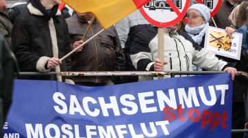 """Transparent des Vereins """"Arbeit, Familie, Vaterland"""" im Dezember 2008 bei einer Veranstaltung der """"Bürgerbewegung Pro Köln""""."""