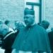 Kardinal Müller – hier mit rotem Aluhut