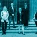 Mitglieder des Gründungsdirektoriums auf der Treppe des Roten Rathauses